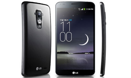 LG G Flex: Watch Self Healing Nature of Curved Smartphone Captured