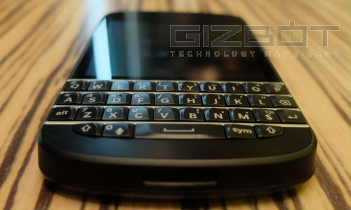 BlackBerry Q10 Gets A Price Cut: Now Available At Rs 38,990