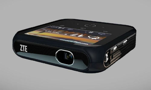 ZTE BlueWatch and Projector Hotspot Announced at CES 2014