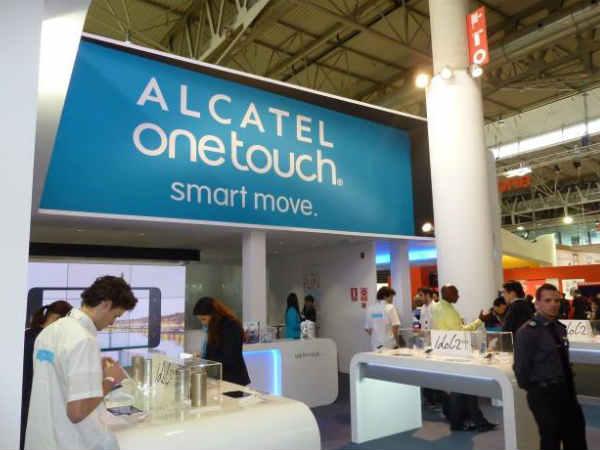 Alcatel Announces Smartbook Concept Laptop Powered by a Smartphone