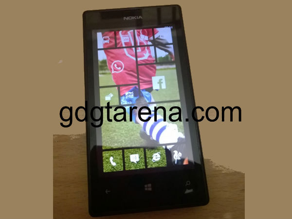 Windows Phone 8.1 To Come With Transparent Live Tile, Shows Image Leak