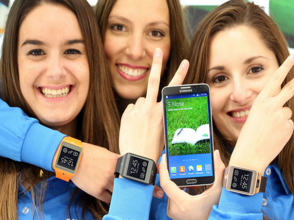 Samsung Gear 2, Gear 2 Neo and Gear Fit To Hit Stores Late March