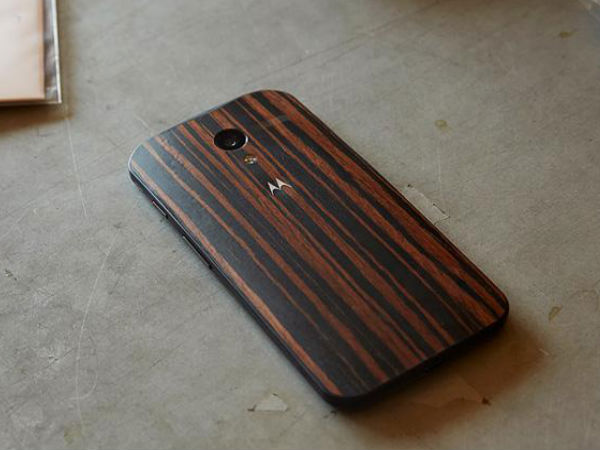 Moto X in Walnut Finish Now Available Online For Rs 25,999