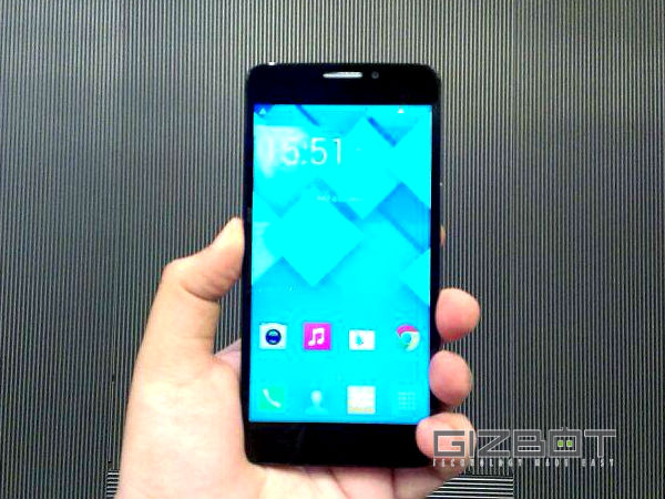 Alcatel One Touch Idol X+: Display