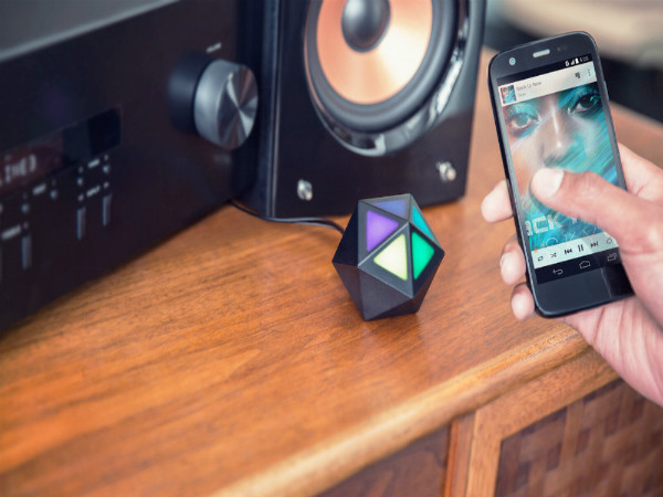 Moto Stream Announced: Tiny Portable Wireless Adapter For Speakers