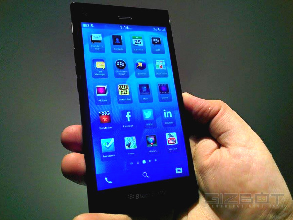 BlackBerry Z3 Vs Motorola Moto G: MicroSD Support