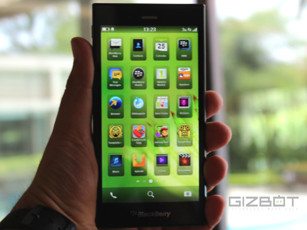 BlackBerry Z3 Hands on And First Look: Good, But No Wow Factor