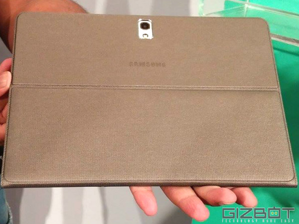 Galaxy Tab S: Form Factor and Accessories