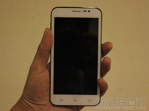 Celkon Signature Two A500 Hands On and First Look: A Newcomer That's M