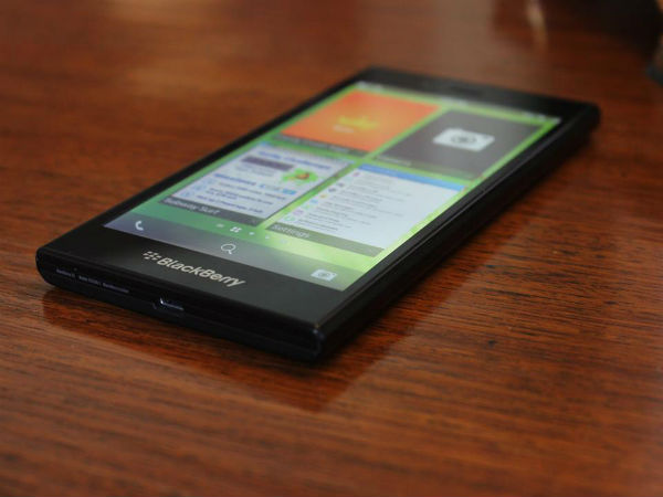 BlackBerry Manitoba Could Launch Alongside Passport
