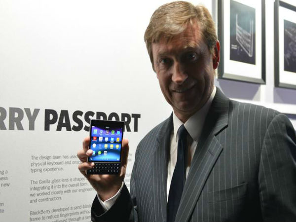 BlackBerry Passport Now Official: 4.5-Inch, BB10.3 OS, 13 MP And More