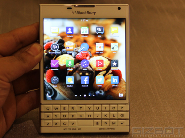 BlackBerry Passport First Look: Strictly For BlackBerry Loyalists