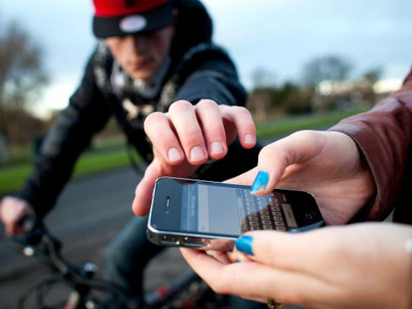 How to Avoid Your Smartphone from Being Stolen: 5 Easy Steps