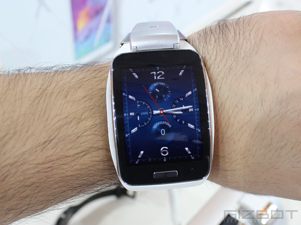 Samsung Gear S Launch Day Sale Tops 10,000 Units in South Korea
