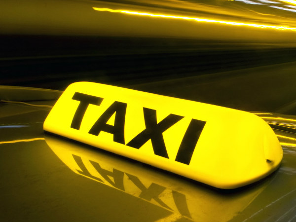 Authorities Order to End Unauthorised Web-based Taxi Services