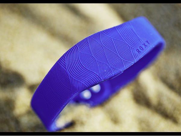 Sony Launches Special Edition Smartband in Collaboration with ROXY