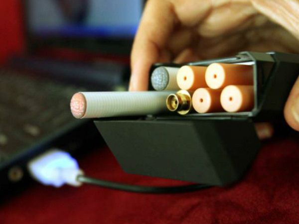 E-cigarettes Use Rising Among US Teenagers: Survey