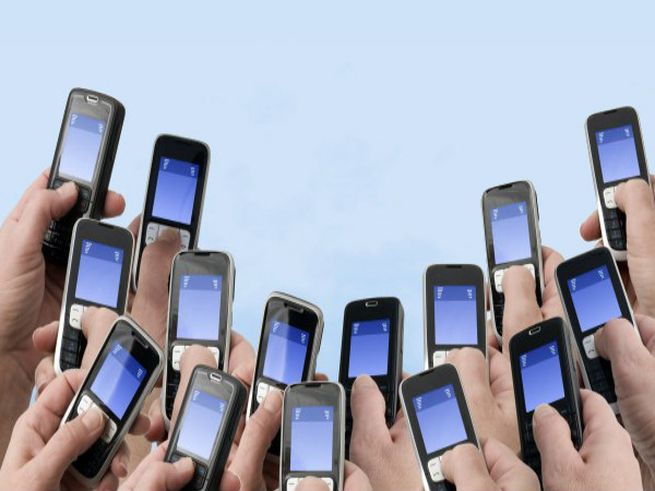 Government Sets Up Task Force to Revive Domestic Mobile Manufacturing