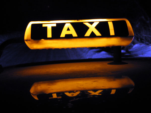 450 cabs of banned App-based taxi services prosecuted in 3