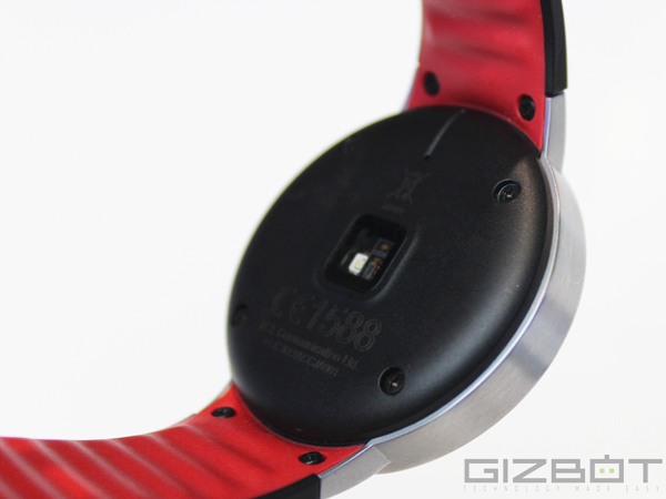 The New Smartwatch by Alcatel is a Cheaper Moto 360