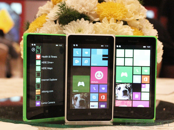 Microsoft Lumia 532 in Pictures