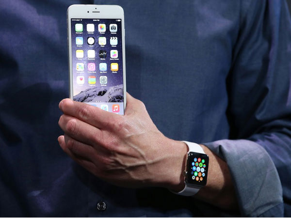 Apple Watch: Transition Between Watch and Phone