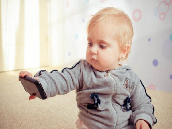 Six-month-olds are using Mobile phones: Survey