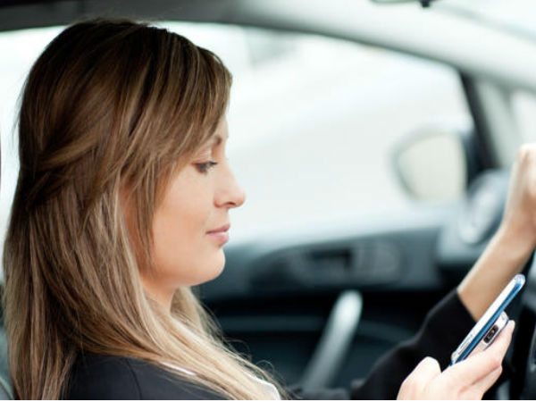70 percent people use Smartphones while driving: Study
