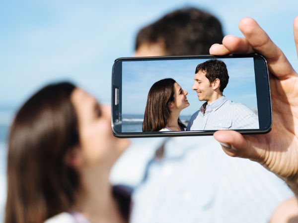 Your online profile photo key to first impression: Study