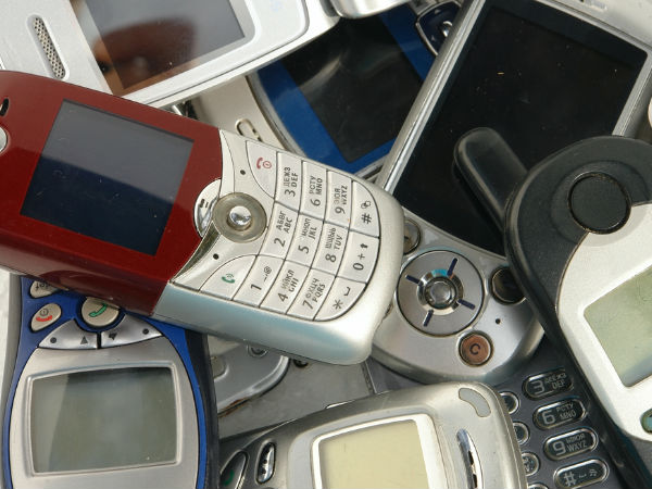 Mobile phones market expected to cross 300 mn devices this year