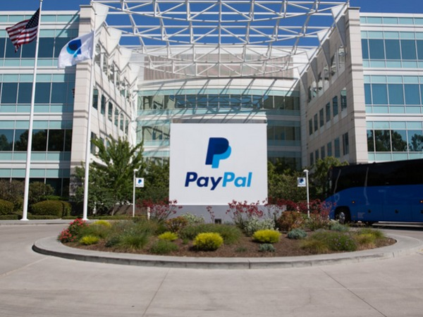 PayPal's new chief promises new services for a mobile world