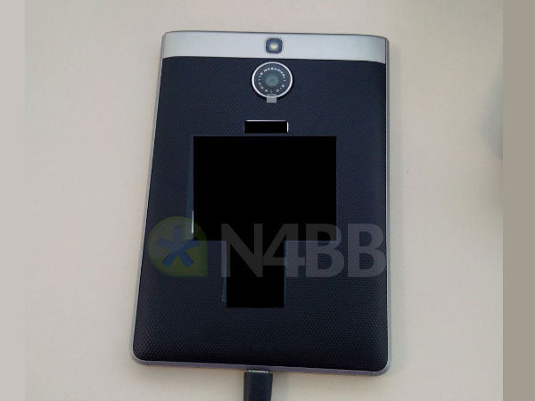 BlackBerry Olso Images And Specs Leaked, Successor of Passport
