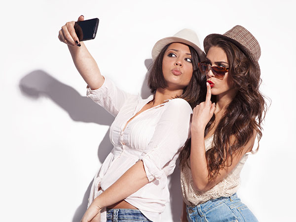 Selfie fever may risk life, warn Russian authorities