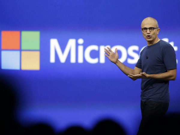 Microsoft slashes 7,800 jobs, mostly in phones unit