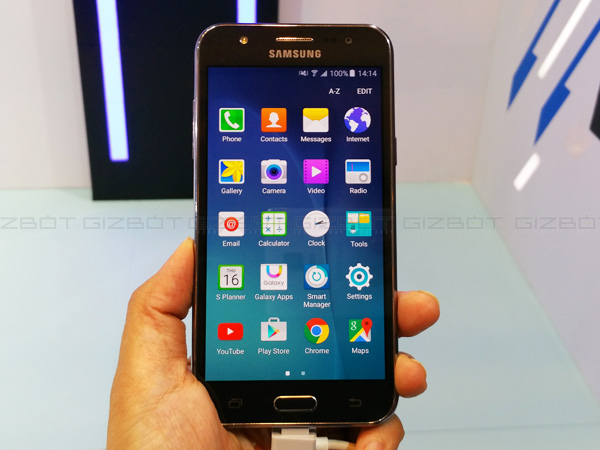 Samsung Galaxy J7 vs Galaxy J5: First Impressions and Specs Comparison