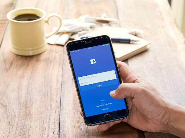 Facebook tests 'Watch Later' button