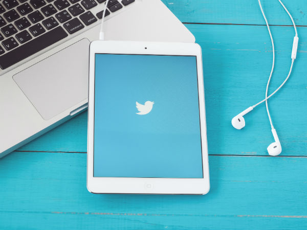 Twitter deletes backgrounds from some pages