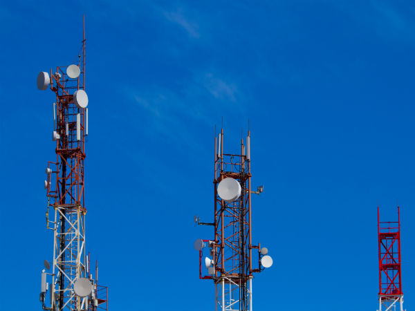 Telcos not meeting standards on call drop issue: TRAI