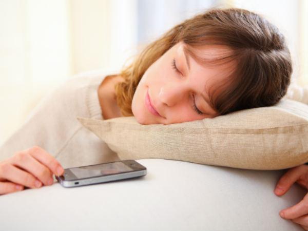 Smartphone 'cuddling partner' for 74 per cent Indians!