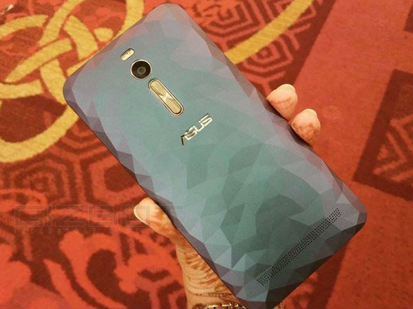 Asus Showcases ZenFone 2 Deluxe, Selfie and Laser smartphones in India