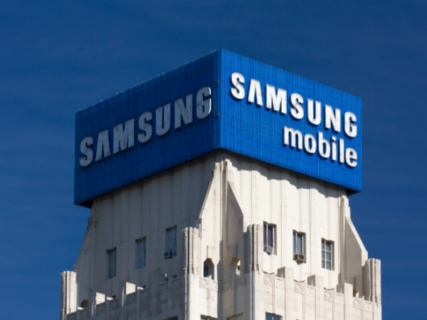 Samsung keeps top spot as smartphone market grows