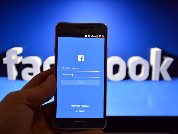 Facebook connects 'fighters' in Indo-Bangla enclaves