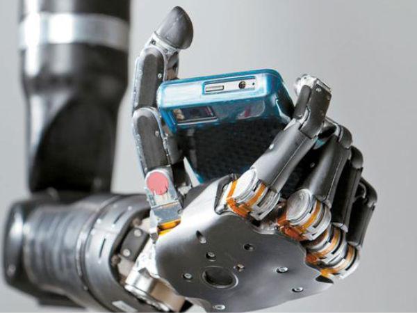 Indian teen creates low-cost robotic arm