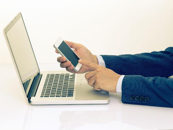 Smartphones overtake laptops for going online in Britain