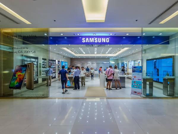 Enjoy 39 percent share in Indian mobile market: Samsung