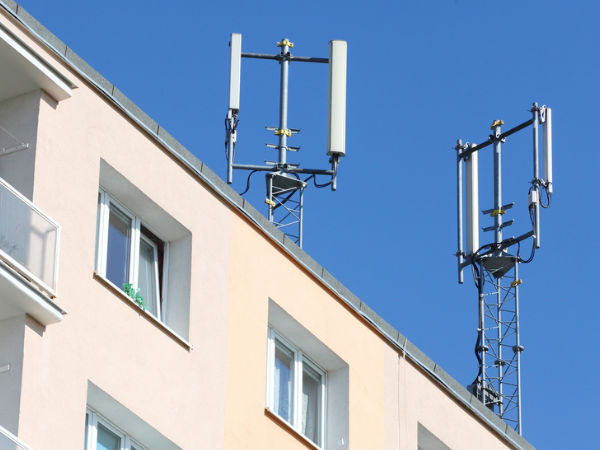Telcos may soon be able to install mobile sites on govt buildings