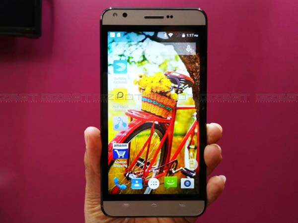 Karbonn Opens Titanium Mach Five Sales with a Bang!