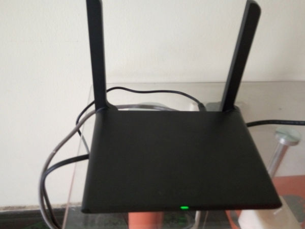 LeTv Mini Wi-Fi router leaked in a set of images