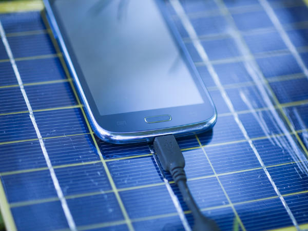 Samsung unveils free solar-based mobile charging facilities