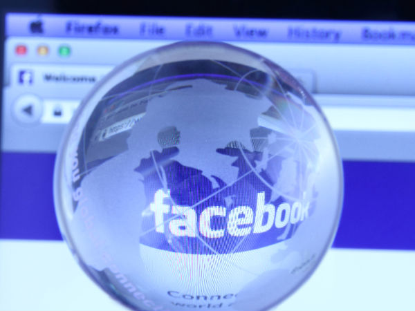 Rich people have less Facebook friends from abroad: Study